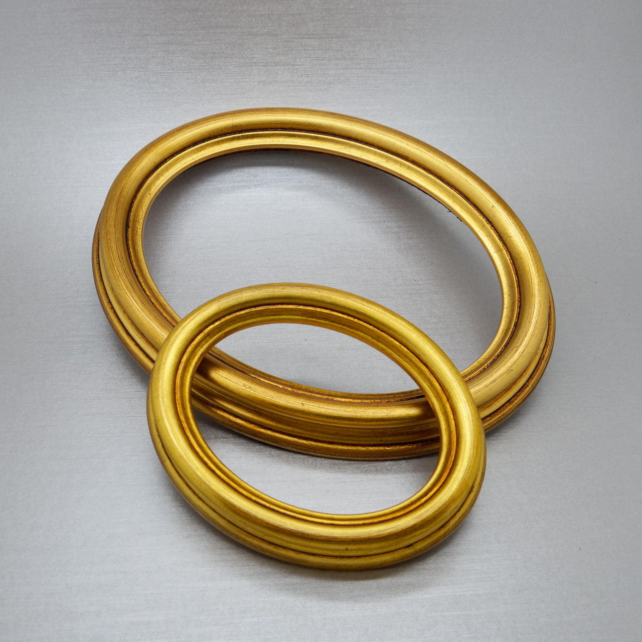 Centro cornici cornici ovali dorate vuote ovali for Cornici online